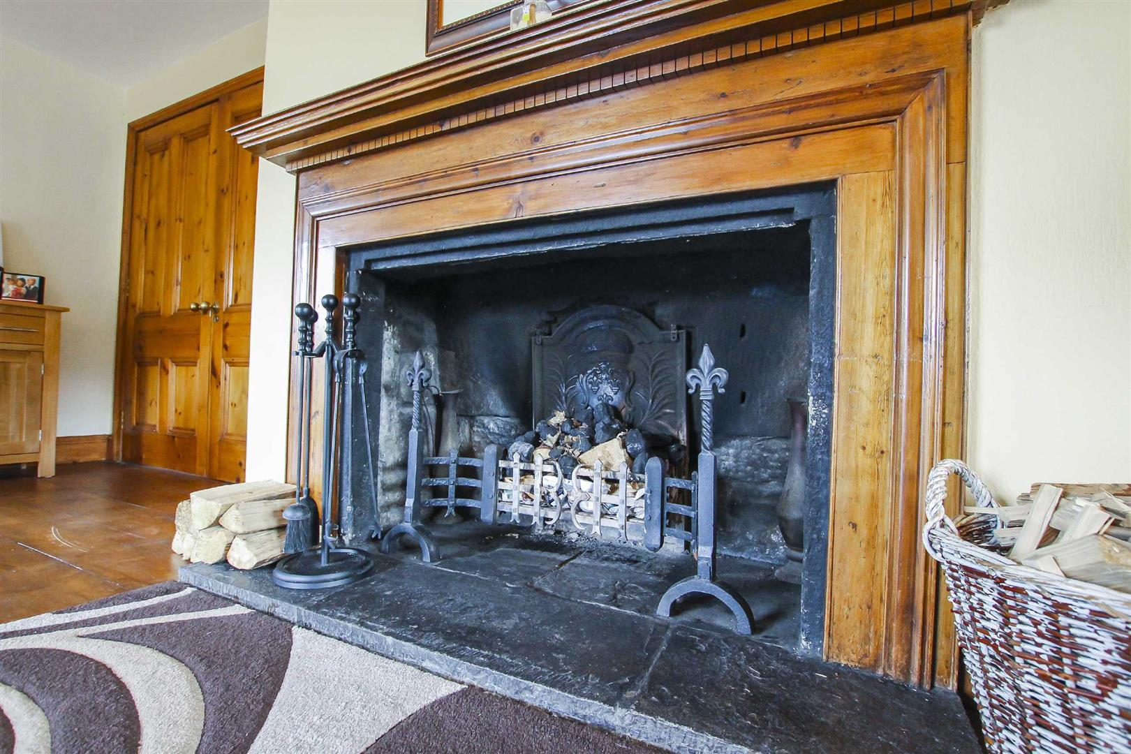 5 Bedroom Barn Conversion For Sale - p026519_20.jpg